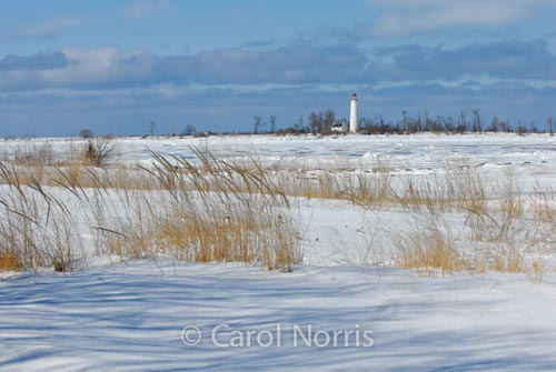 Canada-Ontario-Lake-Huron-snow-Chantry-Island-lighthouse-Southampton
