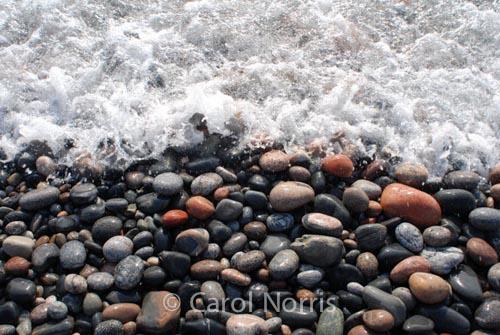 Canada-Ontario-Lake-Superior-pebble-beach