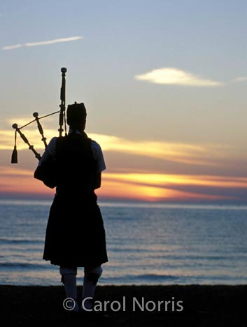 Canada-Ontario-Southampton-Scottish-piper-sunset-bagpipes