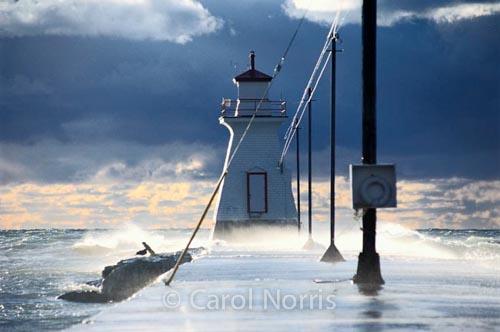 Canada-Ontario-Southampton-lighthouse-Lake-Huron-storm-2