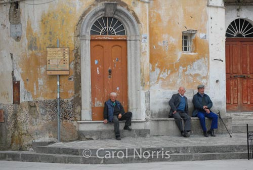 European-Italy-Ravello-old-men-village-attitude