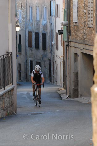 Provence-France-cyclist-village