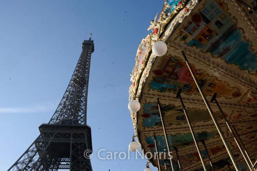 Eifel-tower-merry-go-round-paris