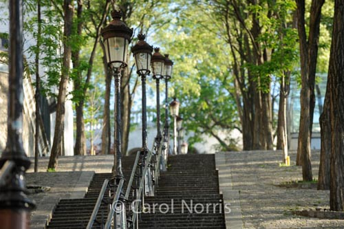 Staircase-lamps-Sacre-Coeur-Paris