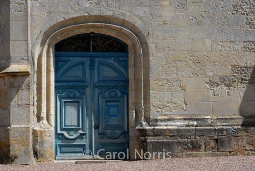 blue-doors-france