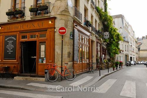 orange-bike-paris-street