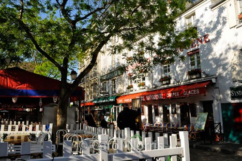 A Walk Through Montmartre